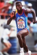 Carl Lewis with SMTC t'shirt.