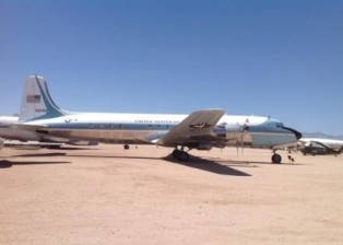 DC-6 (VC-118), Air Force One during Kennedy presidency (at PImar Air and Space Museum).