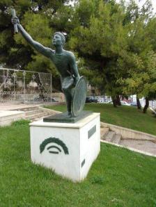Statue of Pheidippides km. 18.