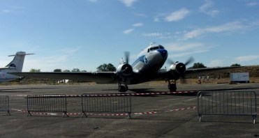 DC-3 with engines running.