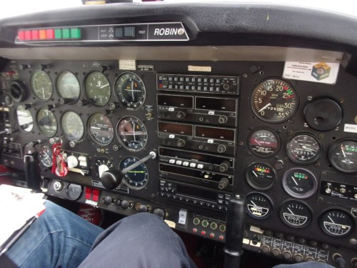 Dashboard of the Robin DR-48 we flew (F-GGHT).