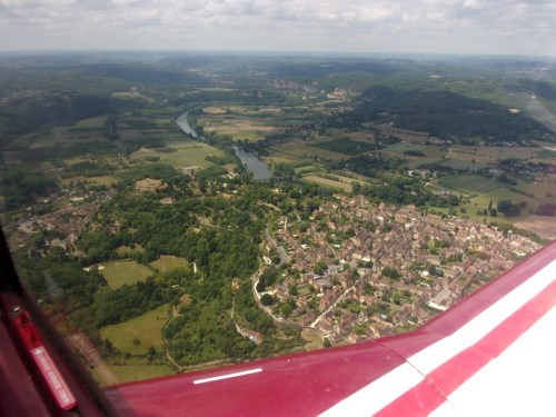 Initial climb at Sarlat-Dome (LFDS), wonderful view of the Dordogne valley and Dome village.