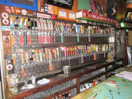 El Bait Shop 180 beer taps.