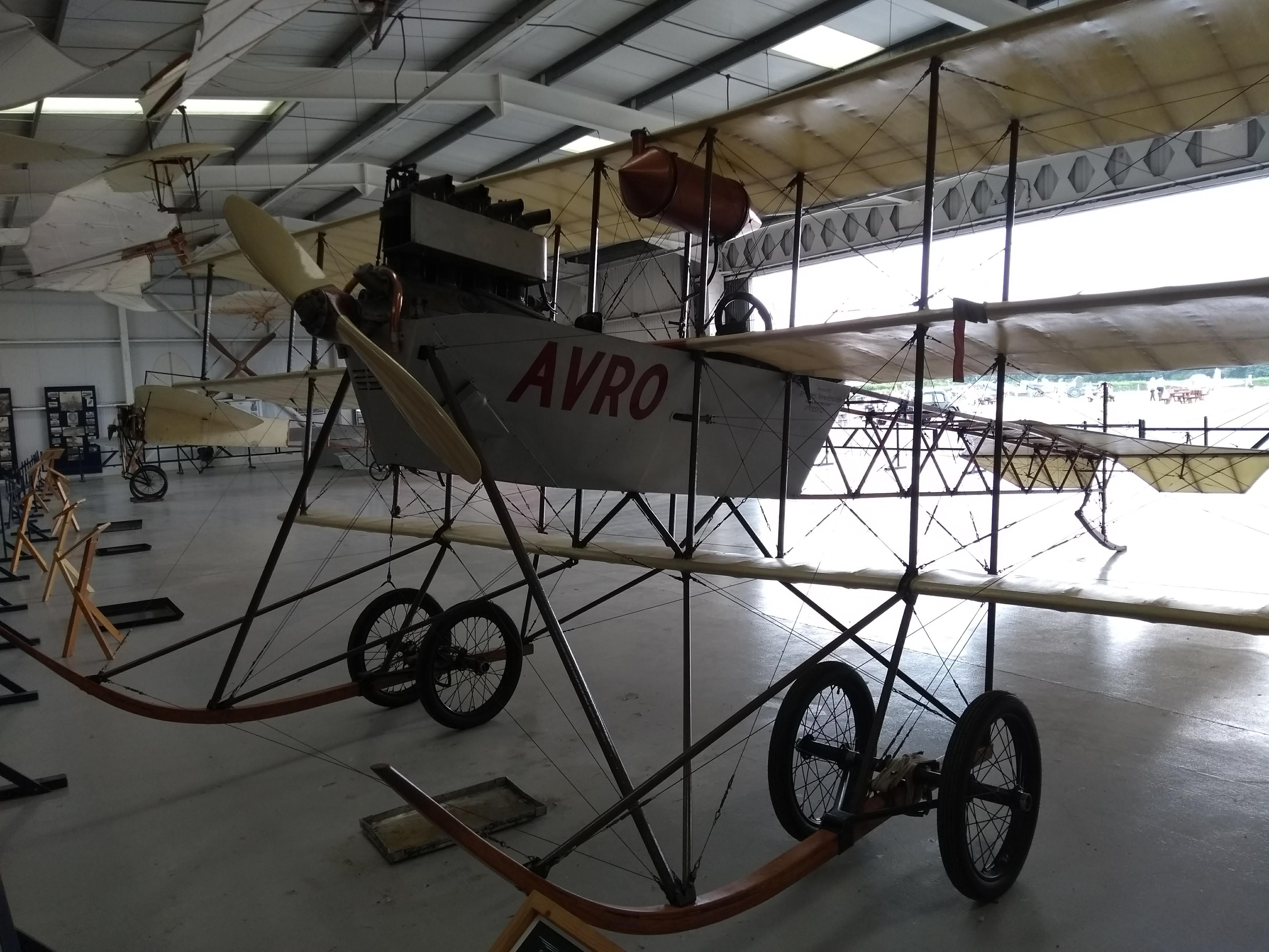 9_Avro Triplane